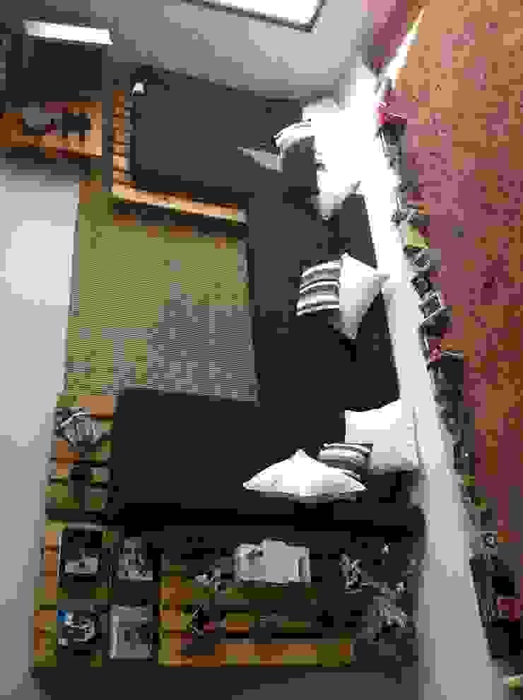sofá:  de estilo industrial de SMMARQUITECTURA, Industrial