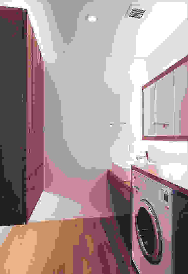 Scandinavian style bathroom by アースワーク建築設計事務所 Scandinavian