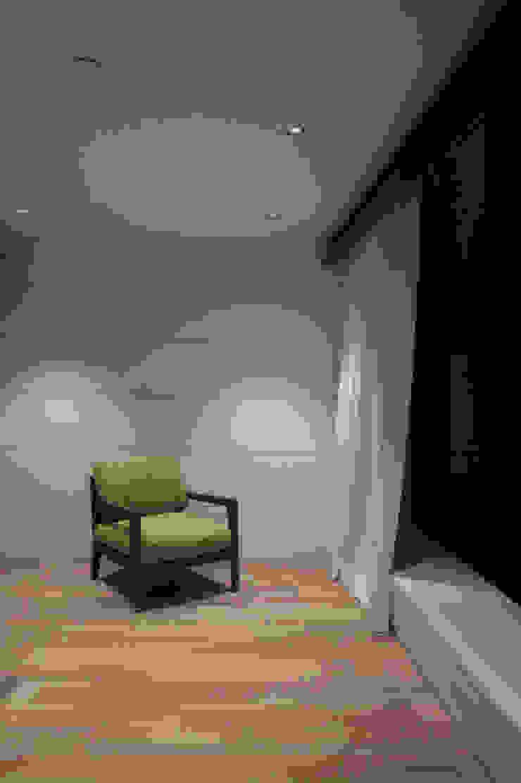 Дом №1 Рабочий кабинет в стиле минимализм от Elena Zazulina Минимализм