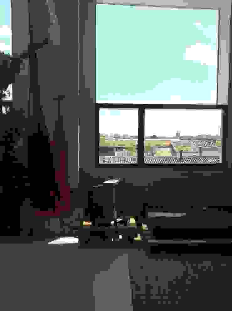 vistas y sofá Salones de estilo industrial de SMMARQUITECTURA Industrial