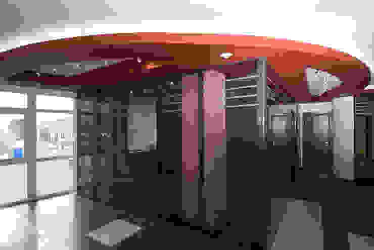 Дизайн офиса охранной компании Офисы и магазины в стиле минимализм от Samarina projects Минимализм