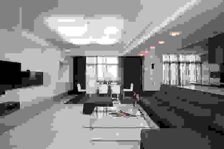 """Дизайн квартиры """"Квартира для современной семьи"""" Гостиная в стиле минимализм от Samarina projects Минимализм"""