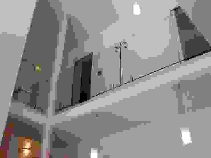 scala in vetro Soggiorno moderno di GIEMMESCALE Moderno