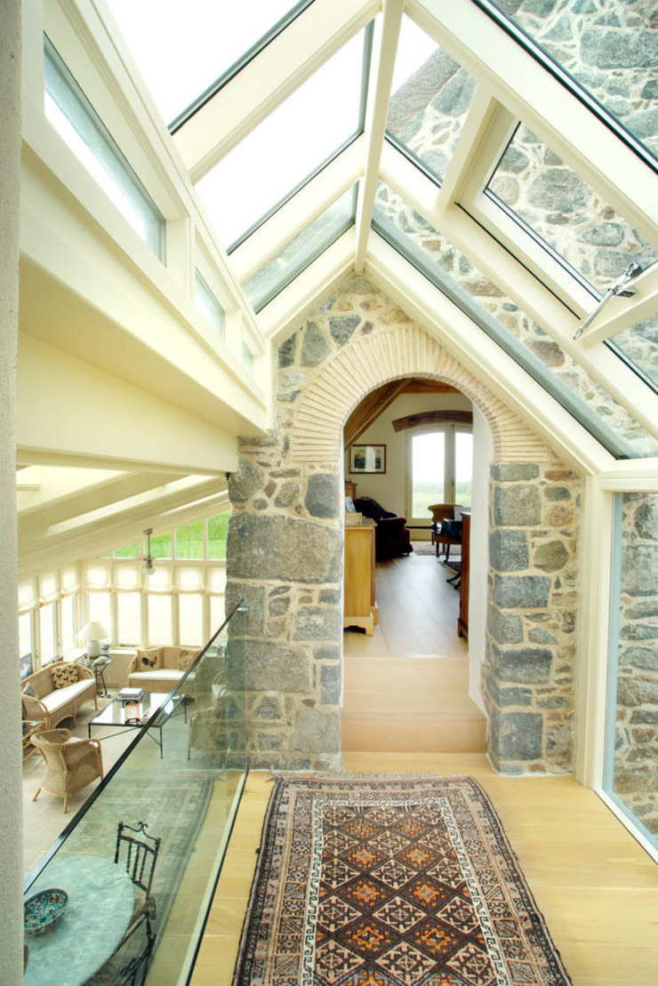 La Croisee Rustic style corridor, hallway & stairs by CCD Architects Rustic