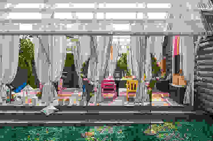 Терраса-Взлетная полоса Балкон и терраса в рустикальном стиле от Bureau GN Рустикальный