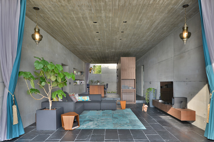Eclectische woonkamers van 株式会社クレールアーキラボ Eclectisch Gewapend beton
