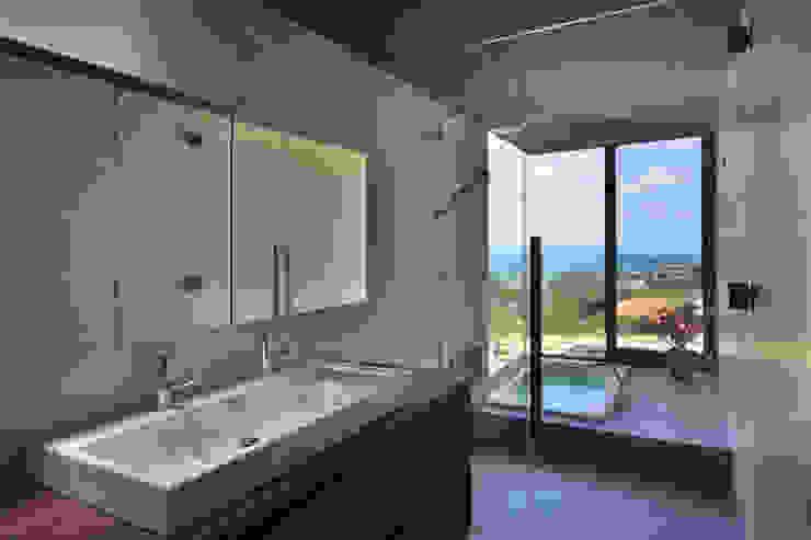 洗面/浴室: 株式会社クレールアーキラボが手掛けた浴室です。,オリジナル