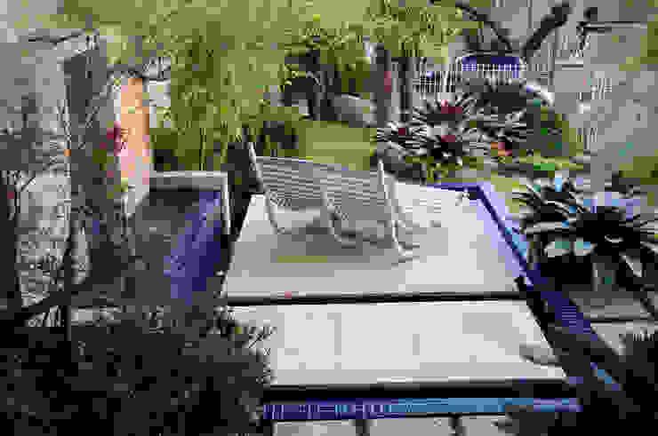 Modern style gardens by Loro Arquitetura e Paisagismo Modern