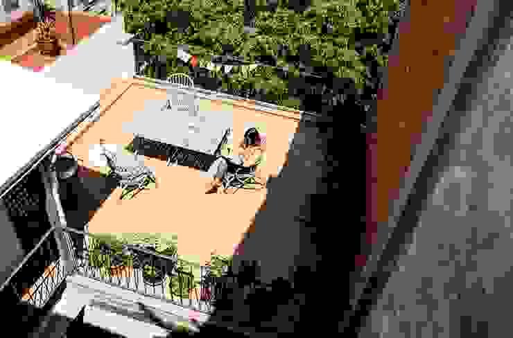 La terraza Balcones y terrazas de estilo mediterráneo de homify Mediterráneo
