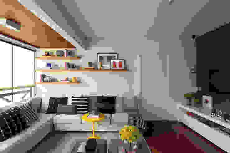 โดย Now Arquitetura e Interiores โมเดิร์น