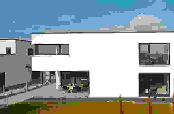 Minimalistyczne domy od lc[a] la croix [architekten] Minimalistyczny