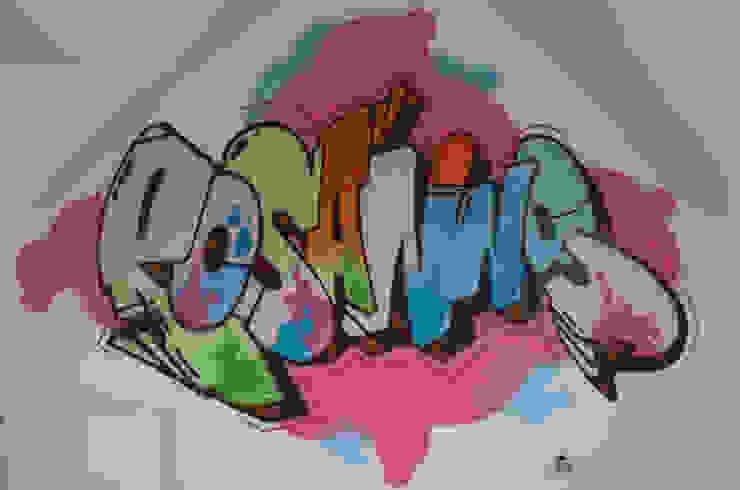 Graffiti slaapkamer Rosanne: modern  door Mooie graffiti, Modern