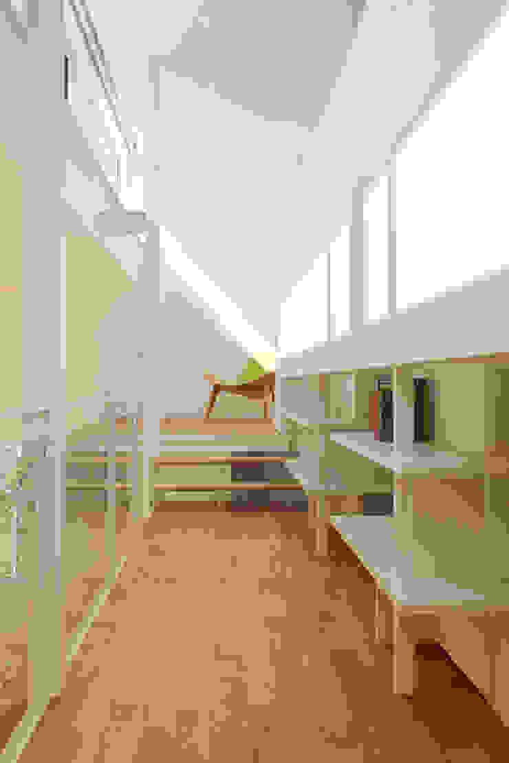 甲斐の家 ミニマルスタイルの 玄関&廊下&階段 の MAMM DESIGN ミニマル