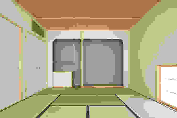 甲斐の家 ミニマルデザインの 多目的室 の MAMM DESIGN ミニマル