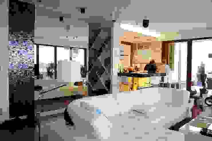 Projekt wnętrza domu w Warszawie Nowoczesny salon od Projektowanie wnętrz Berenika Szewczyk Nowoczesny
