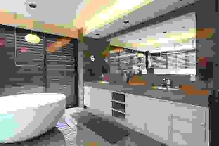 Baño Vestidor Baños modernos de Código Z Arquitectos Moderno