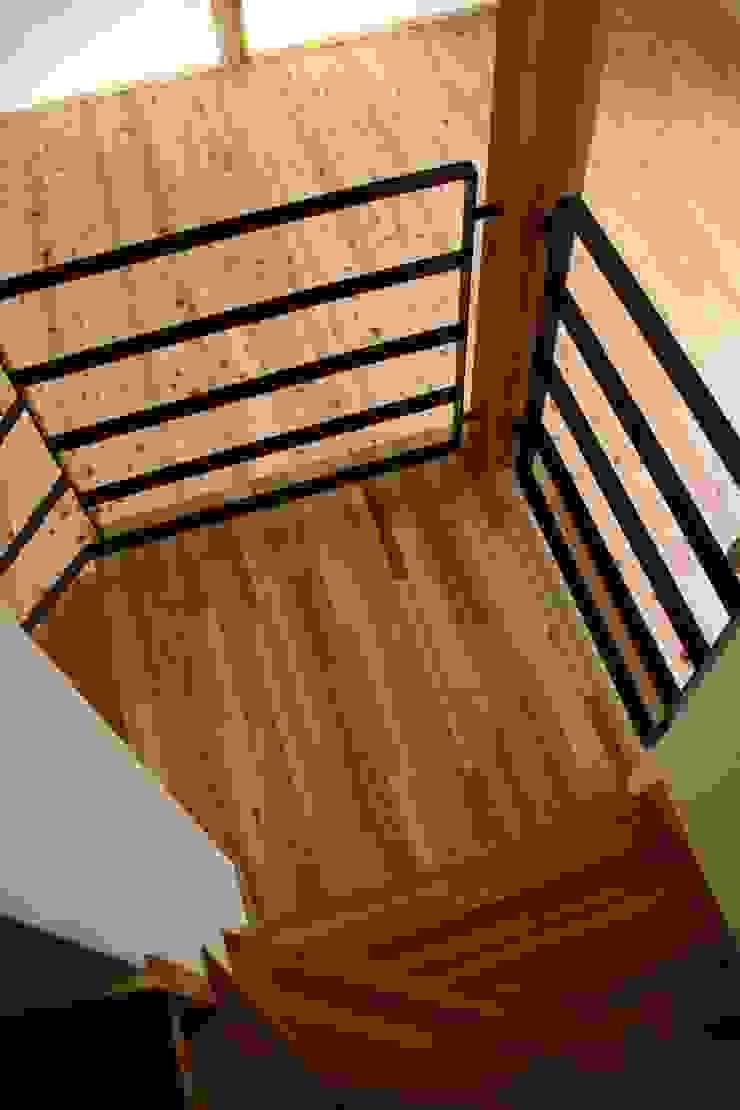 階段 和風の 玄関&廊下&階段 の 加藤一高建築設計事務所 和風