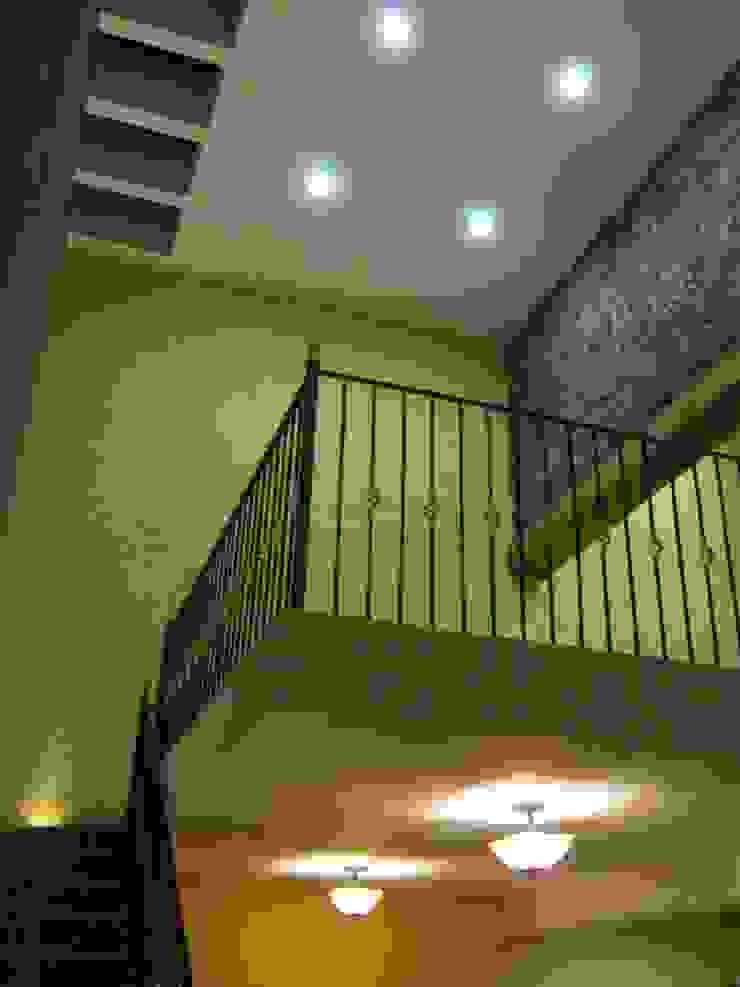 Casa de descanso fl Balcones y terrazas coloniales de IPALMA ARQUITECTOS Colonial