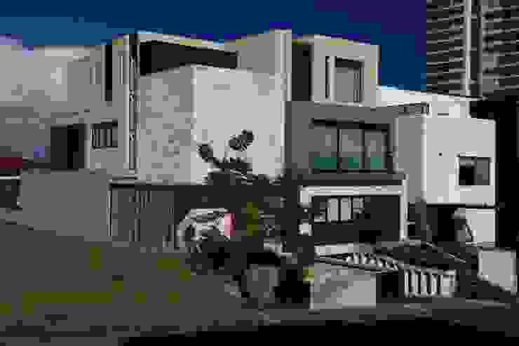 Fachada Principal Casas modernas de Código Z Arquitectos Moderno