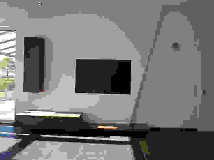 teamlutzenberger 客廳電視櫃