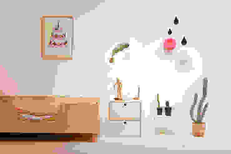 Nursery/kid's room by wie ein KINO, Modern