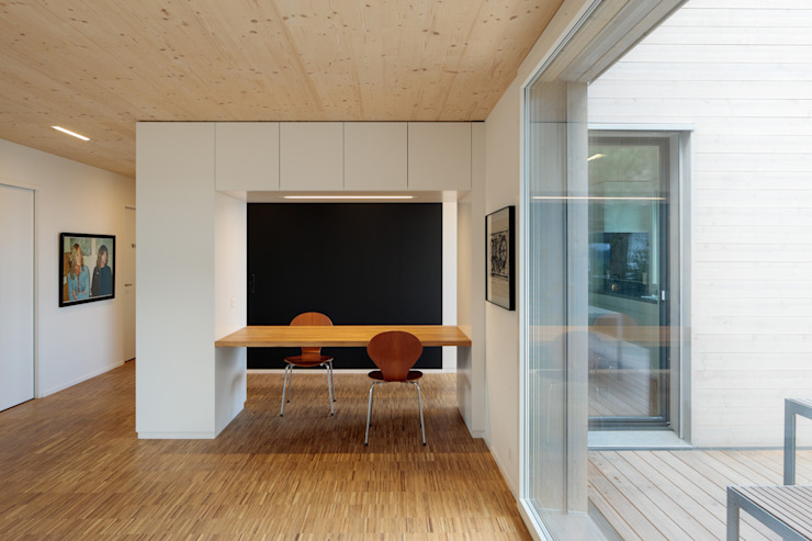 Modern dining room by HKK Architekten Partner AG Modern