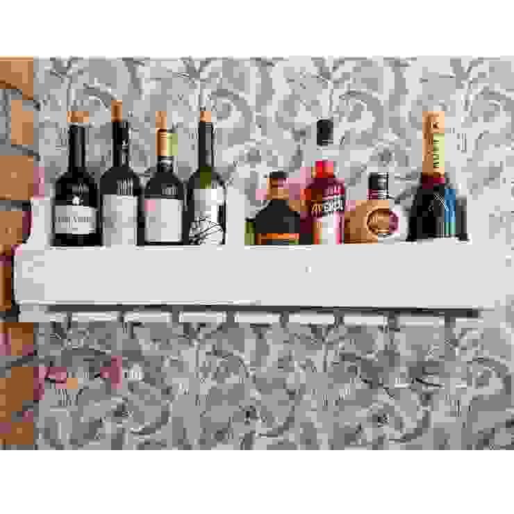 Полка на 8 бутылок вина с холдером на 8 бокалов: Кухня в . Автор – 11 Reasons