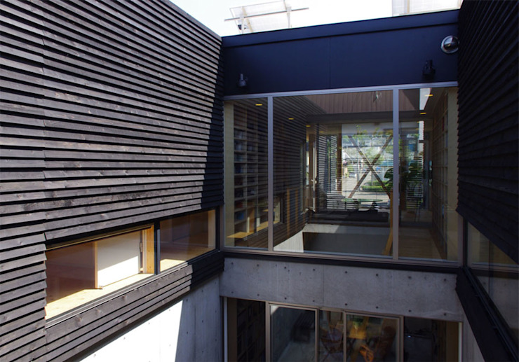 Modern garden by 畠中 秀幸 × スタジオ・シンフォニカ有限会社 Modern