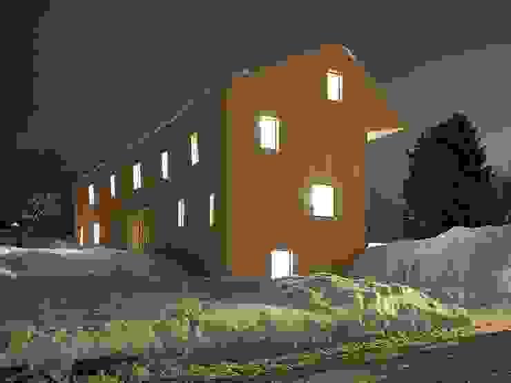 Wiejskie domy od LOCALARCHITECTURE Wiejski