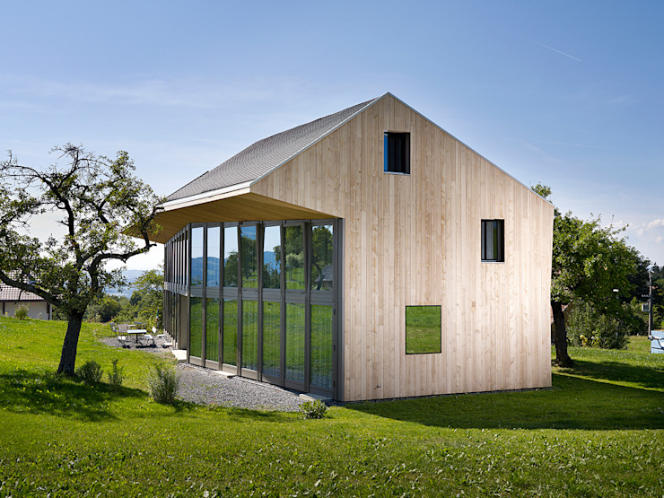 Casas de estilo rural de LOCALARCHITECTURE Rural