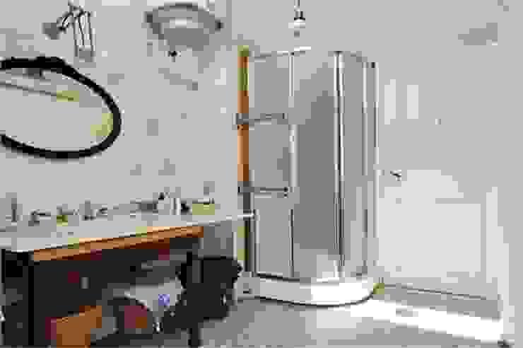 Bestaande situatie van de badkamer Moderne badkamers van Studiohecht Modern