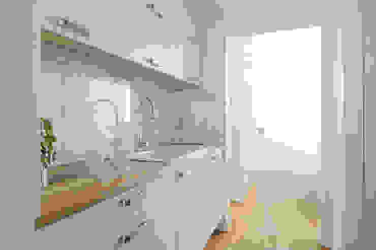 Nhà bếp phong cách hiện đại bởi Jacek Tryc-wnętrza Hiện đại