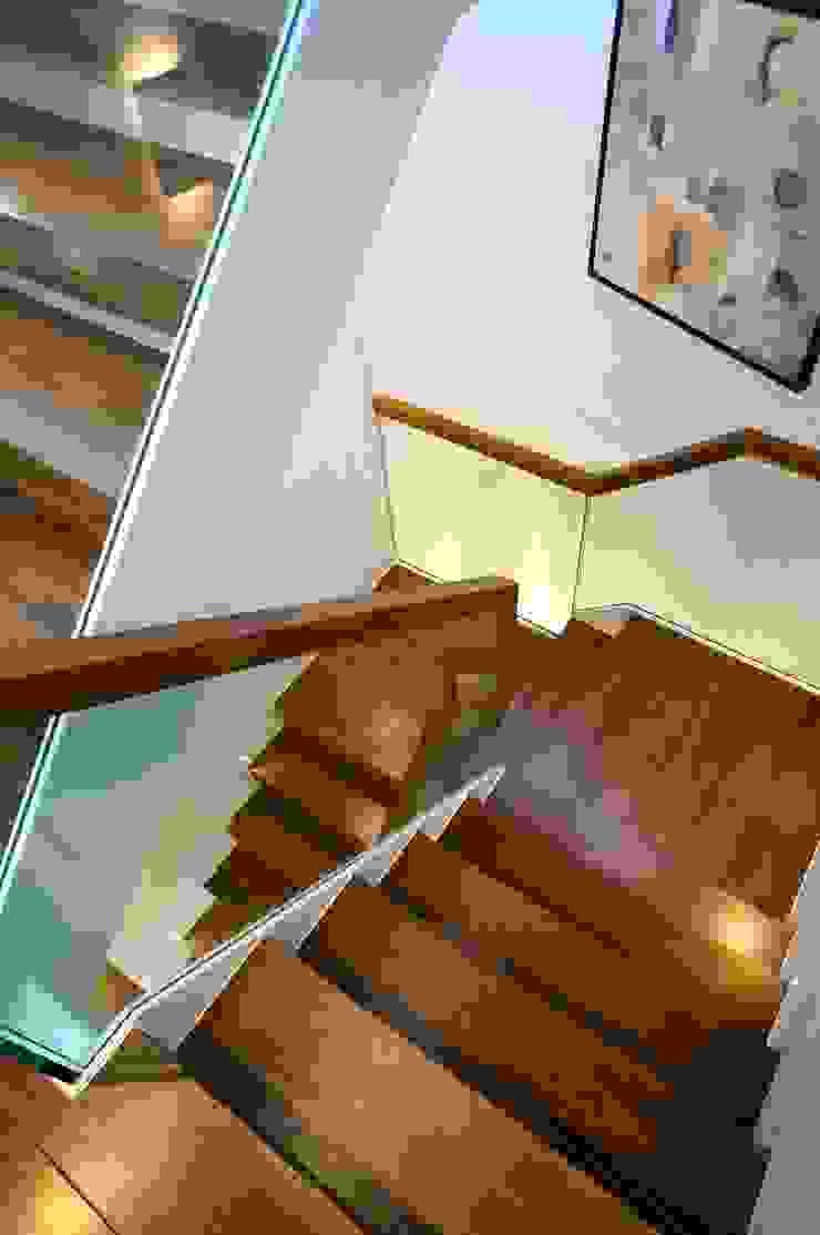 Banks Road, Sandbanks, Poole David James Architects & Partners Ltd Modern corridor, hallway & stairs