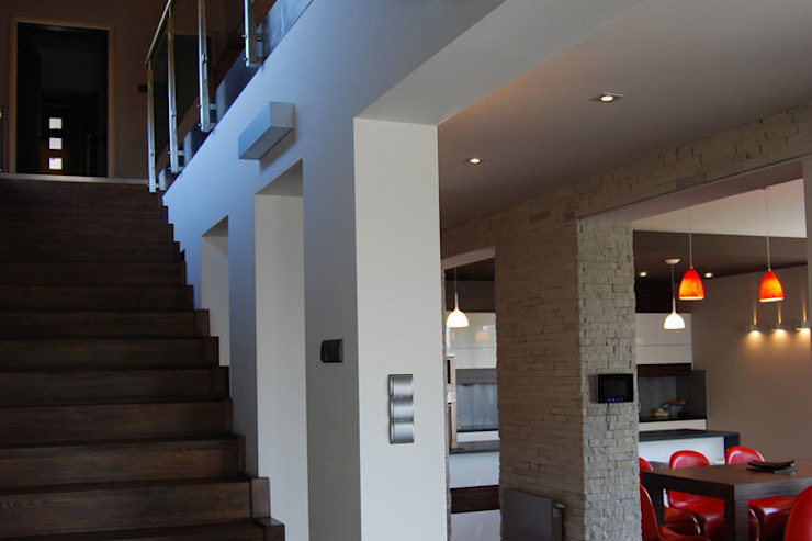 Koridor & Tangga Modern Oleh Susuł & Strama Architekci sp. z o.o. Modern