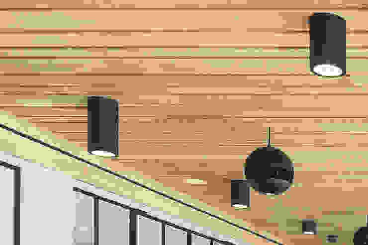 Houten plafond Intermontage Moderne kantoorgebouwen van Intermontage Leurink B.V. Modern