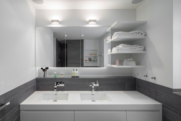 Modern bathroom by Tschander.Keller architekten Modern