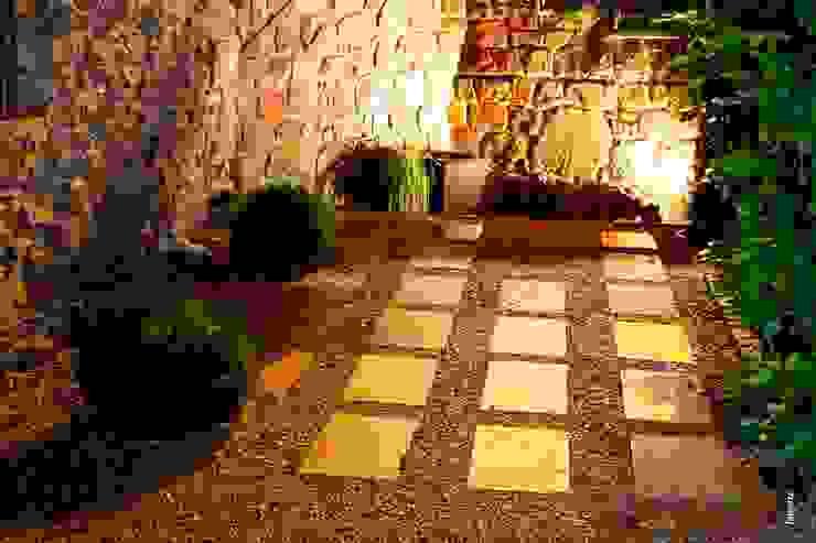 Jardines de estilo  por Jardinarias, Clásico