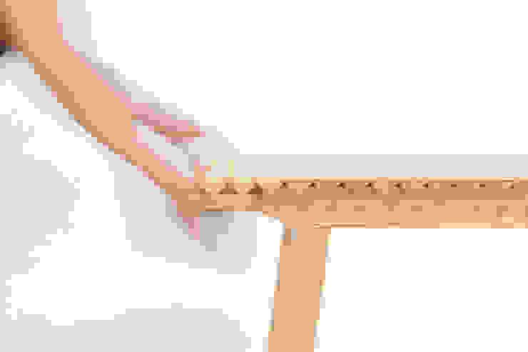 Wooden Cloth di Dackelid Form Scandinavo