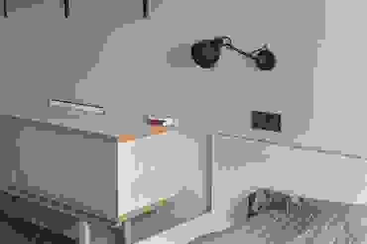 Flat K Спальня в стиле лофт от KOPNA Лофт