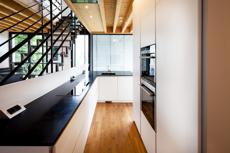 Nowoczesna kuchnia od Schiller Architektur BDA Nowoczesny
