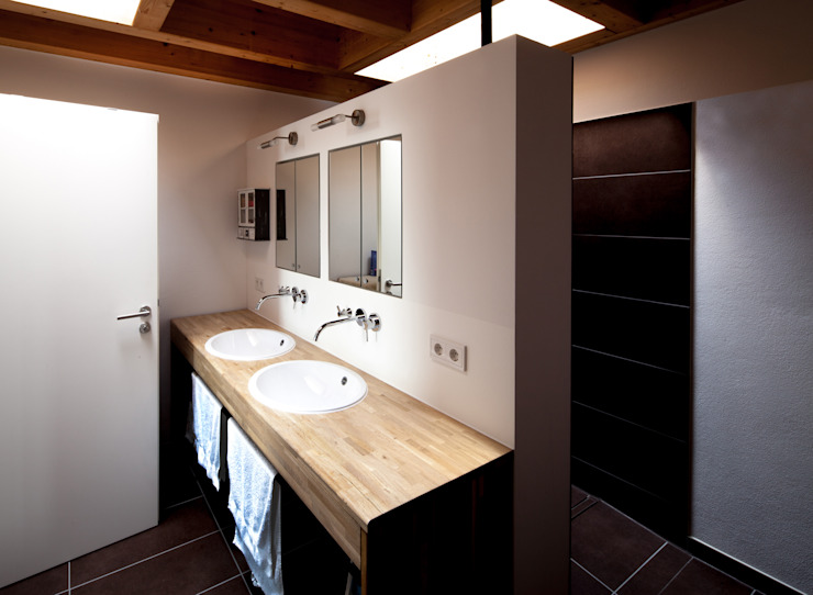 모던스타일 욕실 by Schiller Architektur BDA 모던