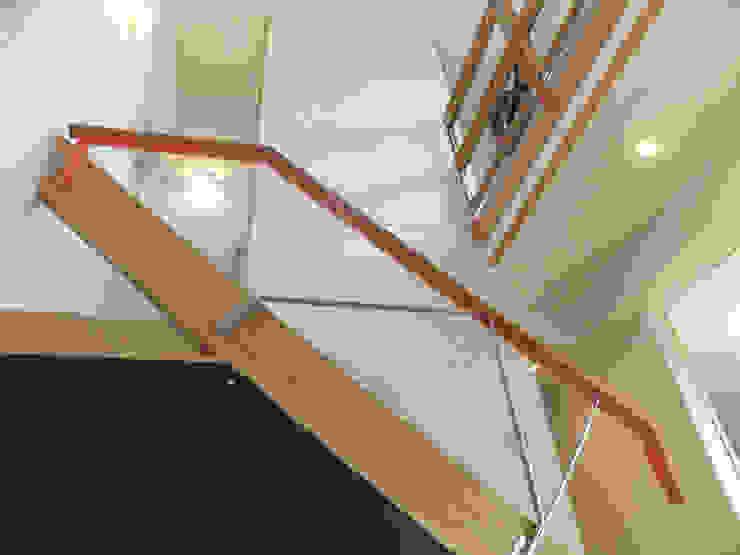 リビング吹抜け階段 オリジナルデザインの リビング の 株式会社SOM(ソム)建築計画研究所 オリジナル