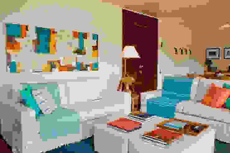 Renata Romeiro Interiores Rustic style living room