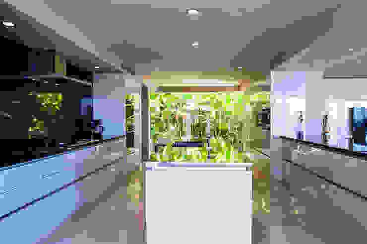 Cozinhas  por Stone Contractors