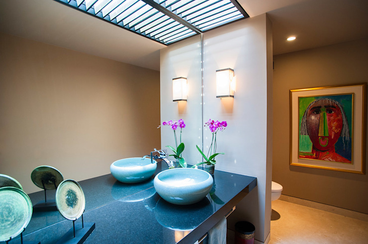 Banheiros asiáticos por Stone Contractors Asiático