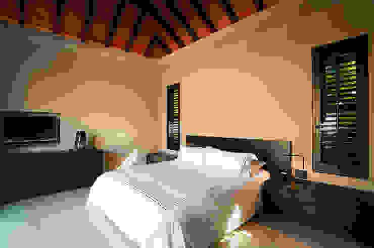 Kamar Tidur Modern Oleh Stone Contractors Modern