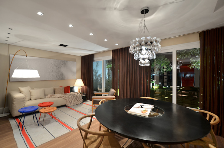 Dining room by Johnny Thomsen Arquitetura e Design ,
