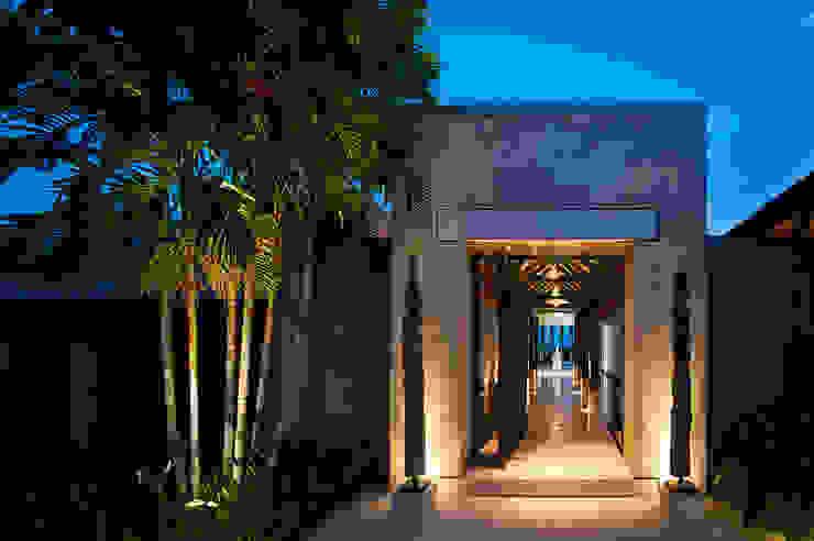 Casas modernas por Stone Contractors Moderno