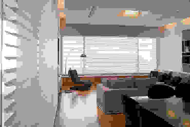 Moderne woonkamers van METODO33 Modern