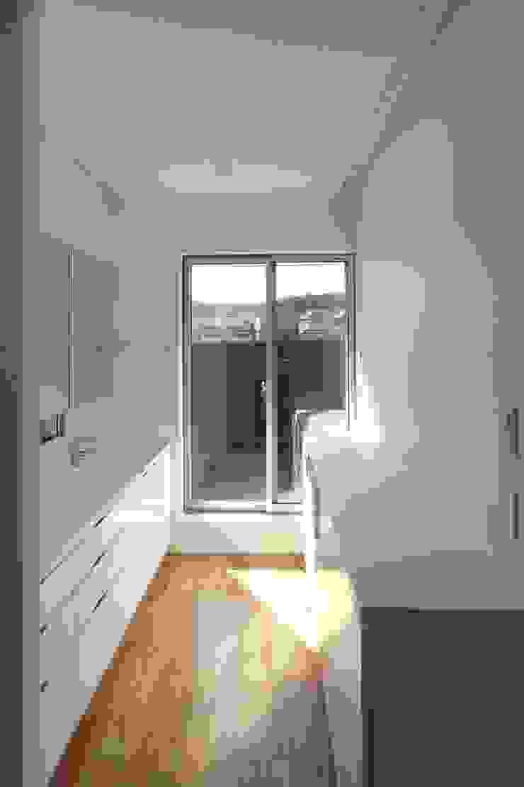 家事のできる広々洗面室 シーズ・アーキスタディオ建築設計室 モダンスタイルの お風呂
